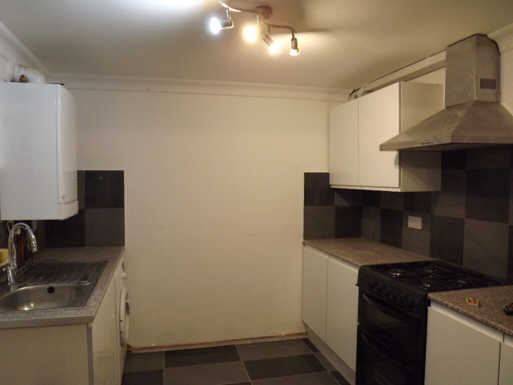 Double Rooms To Let in House Share | Close to Brent X | NW9