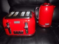BREVILLE KETTLE AND TOASTER RED EX CON