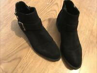 Women's or girls boots