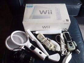 Nintendi Wii, 3 Controllers + sports pack & 10 Games. £75 ono