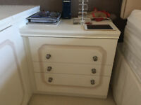 Bedside tables/drawers