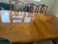 Large Dining Room Table & Chairs