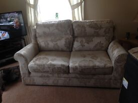 Two seater floral very nice !!!!
