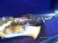 THE GRAFTON PLASTIC SAXOPHONE In V.G.C. and IT PLAYS WELL , plus MOUTHPIECE & CASE