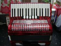 lightweight hohner 72 bass accordion only 7.5 kg
