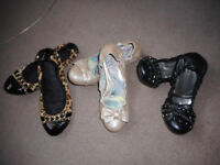 3 pairs of FLAT shoes , size 5