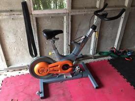Commercial spin bike, Keizer m2