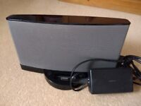 Bose docking station, excellent quality and condition