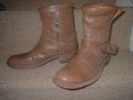 Designer Fiorentini+Baker Ankle boots
