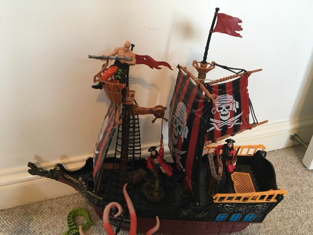 Pirate ship playset
