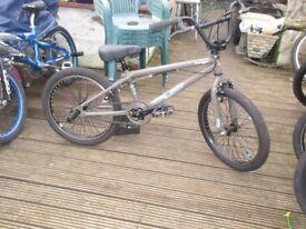 bmx gt vertigo bike