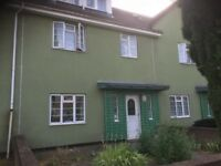 Five Bedrooms House - Near Limehouse Station - Please call 07572 528 106