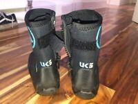 Peak uk boots size 5