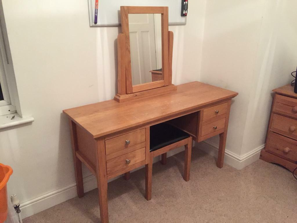 Dressing table, stool and mirroe