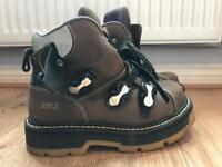 A.R.T boots size 7 - like New Rock boots