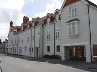 MODERN TWO BEDROOM APARTMENT NEAR HAVANT TOWN CENTRE