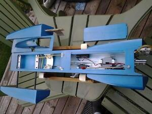 RC 3.5 Hawk outrigger Hydroplane London Ontario image 2