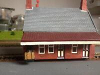 Hornby 00 waiting room