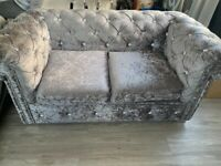 Crushed velvet Chesterfield sofa as new £180 collect so45 or can deliver for fuel