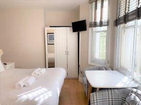 Bright one bedroom flat on Castletown, W14, £288
