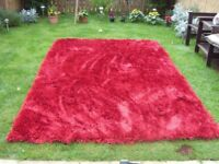 VERY LARGE RUG, EXCELLENT CONDITION, RED, TOP QUALITY SIZE 180X270CM. COST 360.00 ACCEPT 100