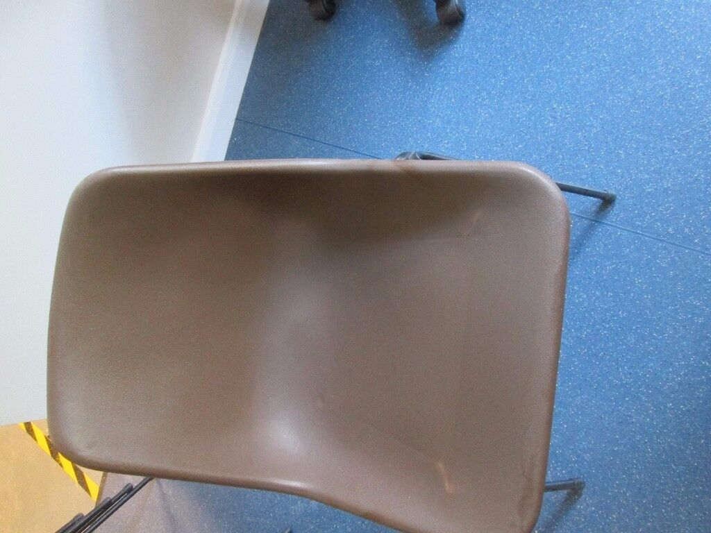 CHAIRS BROWN PLASTIC 6 AVAILABLE