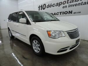 2012 Chrysler Town & Country TOURING STOW-N-GO - NAVIGATION - DV