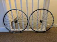 Mavic Aksium road bike wheels 700c