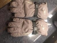 O'Neill skiing gloves. Small men's