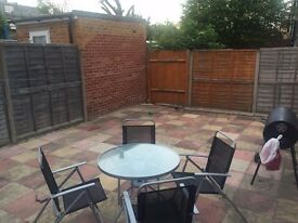 Single room & double room( long or short term) - Tooting Bec