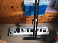 M-Audio Keystation 61es + Stand + Pedal + Drum pads!
