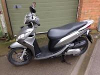 Honda Vision 110cc moped/scooter 2013