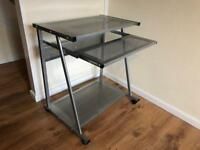 Metal computer office desk in great condition