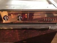 ELECTRIC OVEN/GRILL USED BUT GOOD CONDITION