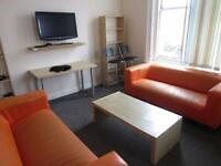 5 bedroom flat in Nags Head