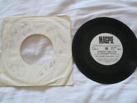 """THE BARRIE BROTHERS (MAGPIE)- HOWWAY THE LADS 7"""" SINGLE - AUTOGRAPHED BY MEMBERS OF THE BAND"""