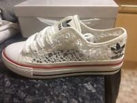 Brand New in box Ladies Adidas Lace / Net Style trainers (white and black) Converse style