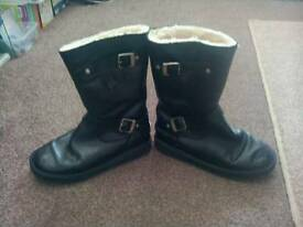 LADIES BLACK CALF LENGTH BOOTS AS SHOWN ****£ 6 ****