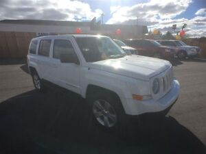 2011 JEEP PATRIOT NORTH 4X4- ALLOY WHEELS, CRUISE CONTROL, KEYLE Windsor Region Ontario image 7