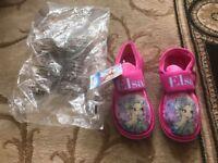 Kids Brand New Frozen Slippers
