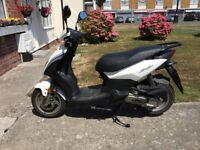 SELLING IN OCTOBER Sym Symply 2017 moped for sale including lock, gloves and jacket worth over £150.