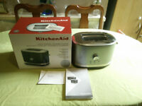 New KitchenAid Manual Control Toaster, Contour Silver