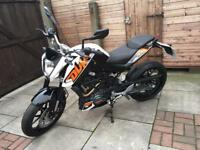 KTM DUKE 125 2016 66 PLATE *IMMACULATE CONDITION*