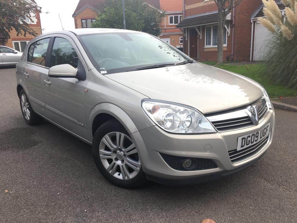 2009 09 Vauxhall Astra 1.8 IVVT Design 5 Door Silver Automatic Very Low Mileage