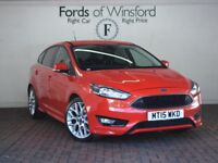 """FORD FOCUS 1.0 Ecoboost 125 Zetec S 5dr [Appearance Pack, Bluetooth, 17"""" Alloys] (red) 2015"""