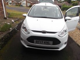 Ford B Max Titanium Nav Automatic Whire Very Low Mileage