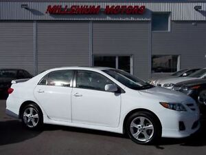 2012 Toyota Corolla S / LEATHER / SUNROOF / ONLY 76,000 KM