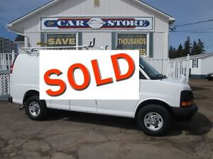 2010 Chevrolet Express 2500 CARGO VAN!! LADDER RACK!! SPOT LIGHT