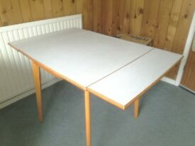 Free - Expanding kitchen table