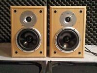 TDL Nucleus 2, Pair of Bookshelf Hi-Fi speakers in a good condition